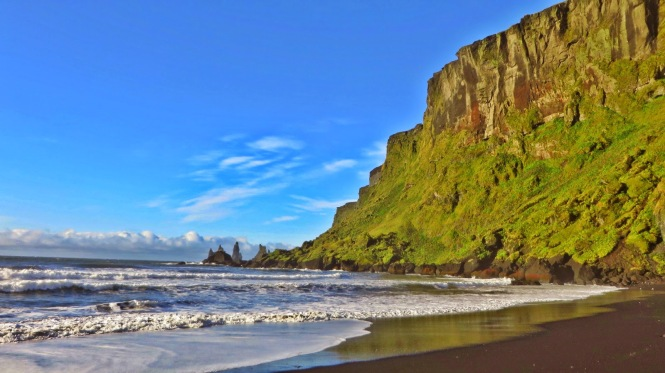 Black sand beaches of Vík. Photo by Eileen